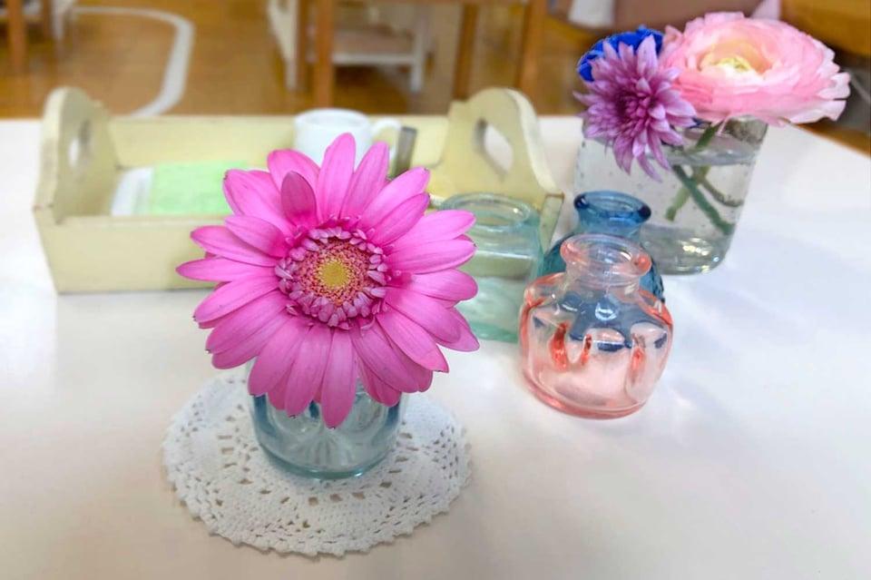 子どもが選んだ花と花瓶